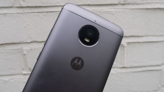 Moto E5 Plus caught on camera with a trendy 18:9 screen
