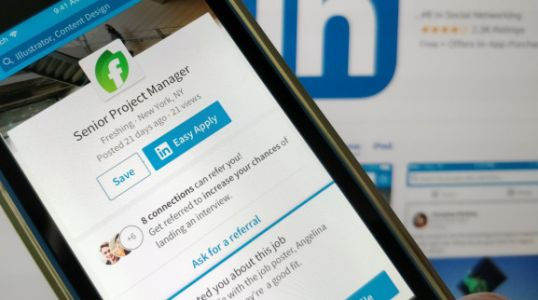 LinkedIn now lets job seekers 'ask for a referral' before applying for a role
