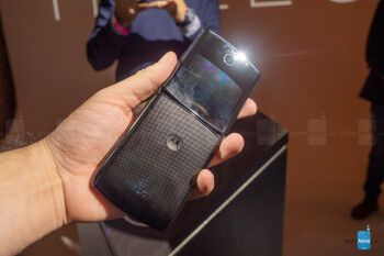 The Motorola Razr 2 5G might end up dwarfing Samsung's Galaxy Z Flip 5G