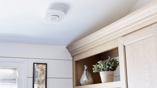 First Alert's Safe & Sound HomeKit smoke alarm doubles as an AirPlay 2 music speaker