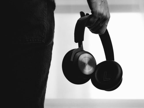 A Roundup of the Best Wireless Active Noise Cancelling Headphones