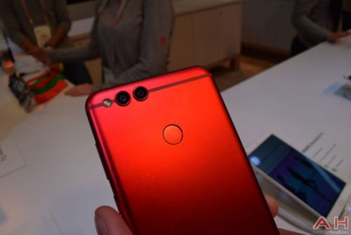 Hands-On With The Red Honor 7X Smartphone - CES 2018