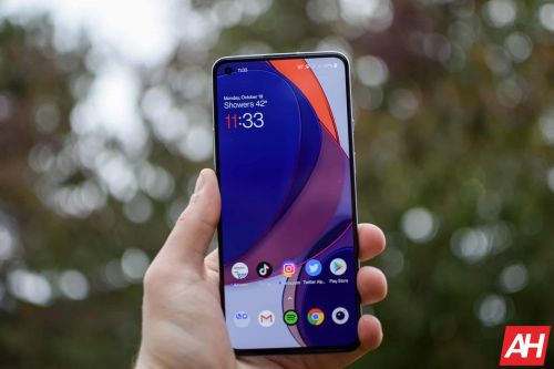 T-Mobile OnePlus 8T Finally Gets Always-On Display Feature