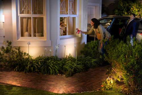 Philips Announces Upcoming Hue App Redesign, Outdoor Lights