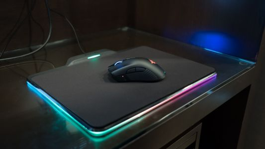 Razer's newest wireless gaming mouse can't live without its charging pad