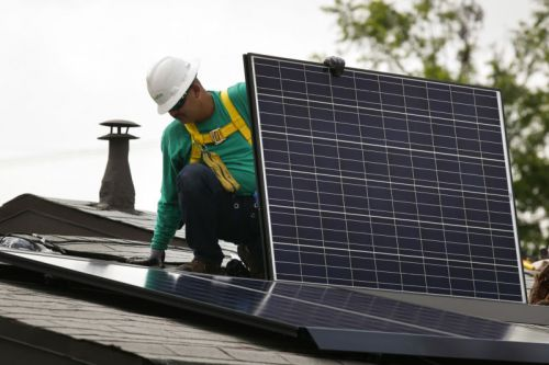 3 ex-SolarCity employees claim company oversaw bogus sales to inflate valuation