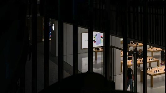 Apple anticipates retail store closures to last until at least 'early May'