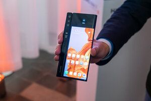 Huawei Mate X unboxing video tells us that the foldable will be released soon