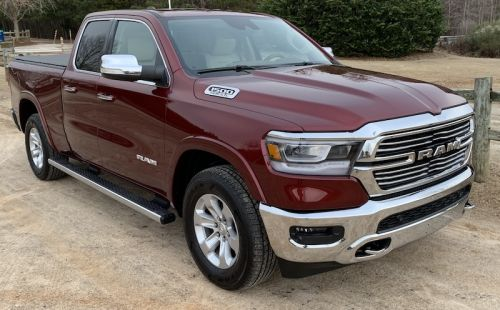 Review: 2019 Ram 1500 Offers a Gorgeous 12.3-Inch Portrait Display With CarPlay Support
