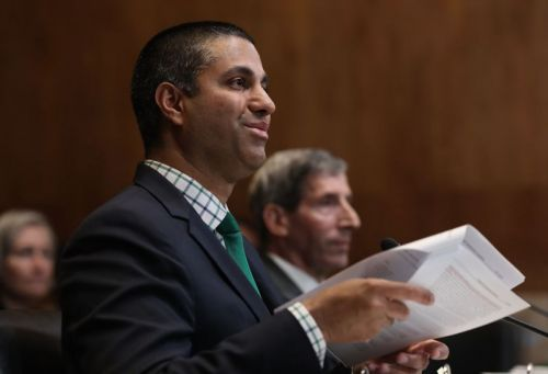 Ajit Pai buries 2-year-old speed test data in appendix of 762-page report