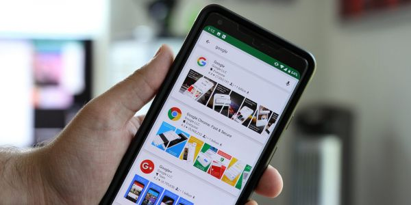 Google Play Store testing card-based search interface w/ thumbnails