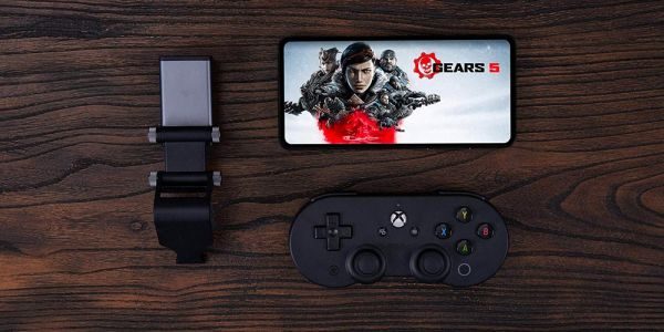 Microsoft x 8Bitdo Bluetooth controller works with xCloud, ideal for Stadia