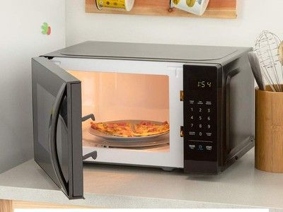 Save 30% on this AmazonBasics microwave that works with Alexa