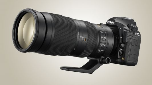 Best super telephoto zoom lenses 2018: 7 lenses to get closer to the action