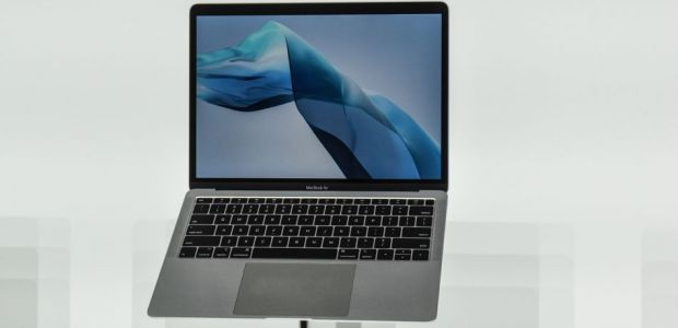 Apple MacBook Air And Pro Users Still Experiencing Issues With New Keyboard