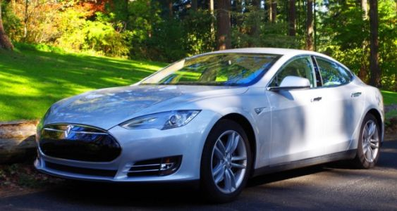 It took seven miles to pull over a Tesla with a seemingly asleep driver