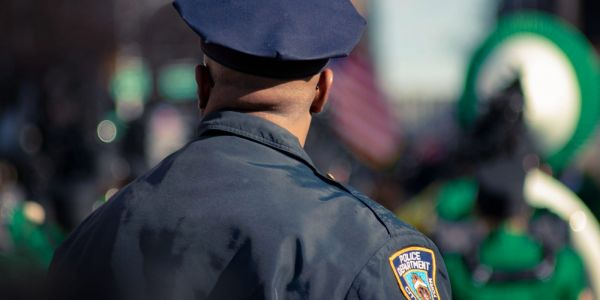 Cops unofficially using apps for face recognition and accessing medical records
