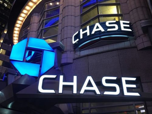 Earn $500 cash back with this Chase business card