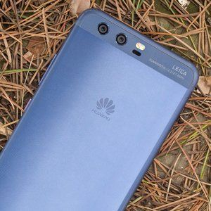 Huawei's first 5G smartphone will also have a foldable display