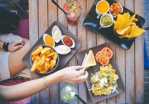 The best credit card for eating out gets you 4% cash back