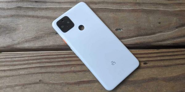 "The Unreleased Pixel 4a Is Compatible With France's ""StopCovid"" App"