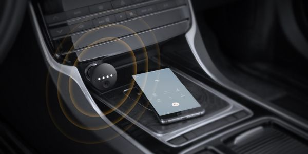 Anker Roav Bolt adds a dedicated Google Assistant mic to any car for $50, available now