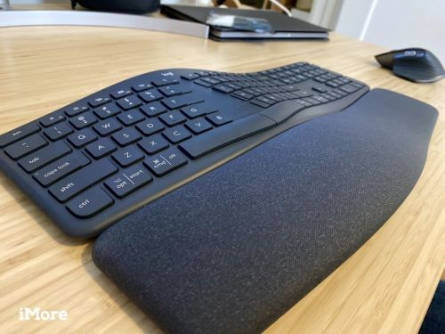 The ERGO K860 Keyboard offers a relaxed and comfortable typing experience
