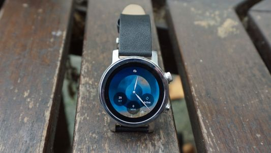 New Moto 360 smartwatch is up for pre-order in the US, but nowhere else