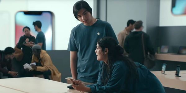 Samsung ad compares brand new S9 with iPhone 6 to mock performance throttling