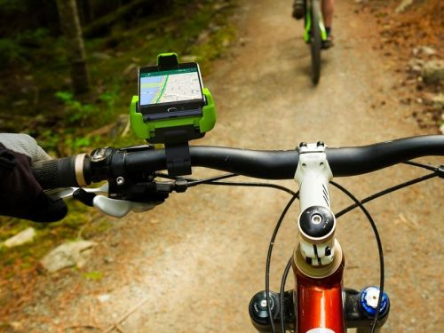 Navigate hands-free while biking with iOttie's $20 Bike & Bar Phone Mount