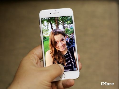 How to use GIPHY to turn GIFs into Live Photos