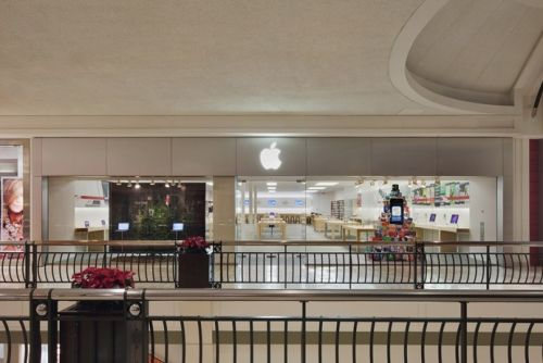 The First-Ever Apple Store, Introduced by Steve Jobs in 2001, Set to Receive Facelift