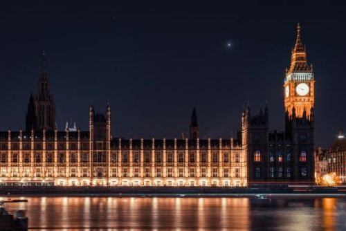 U.K., Salesforce, and World Economic Forum debut AI procurement guidelines for governments