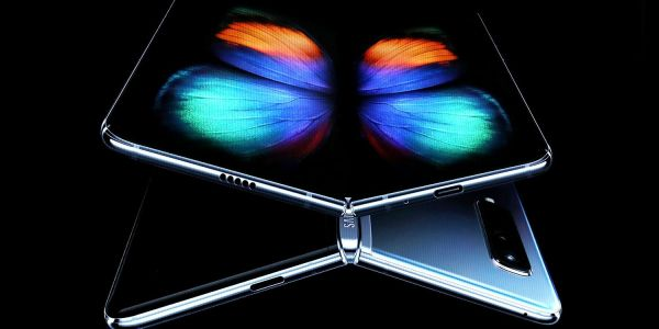 Galaxy Fold 'the main challenge' for Apple; Samsung may withhold OLED tech