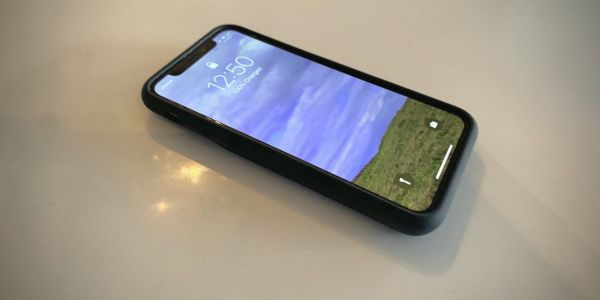 Hands-on: Using an iPhone Smart Battery Case for the first time