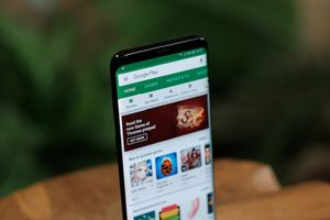 Update to the Google Play Store adds Dark mode to the account switcher