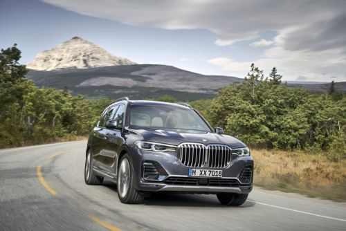 New BMW X7 SUV appears on video