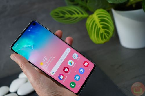 Banking Apps Start To Blacklist Samsung Galaxy S10 Following Fingerprint Flaw