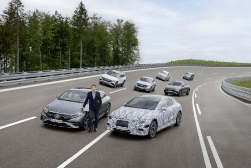 Mercedes Benz plans switch to Electric by 2030
