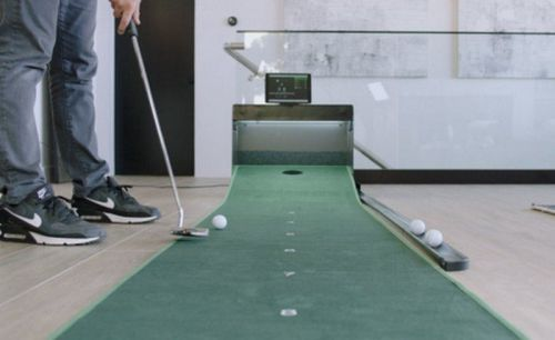 Improve your golf with the PUTTR smart indoor putting green