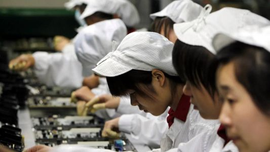 Foxconn and Pegatron increasing bonuses to recruit workers for iPhone 13