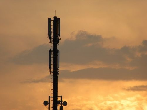 Idiots in the UK are attacking 5G masts due to fake coronavirus news