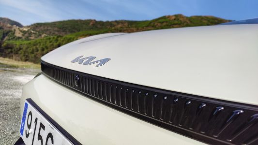 Solar panels, hydrogen and wireless charging - Kia has big plans for its EV future