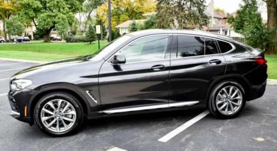 Review: The BMW X4 can't decide what it wants to be