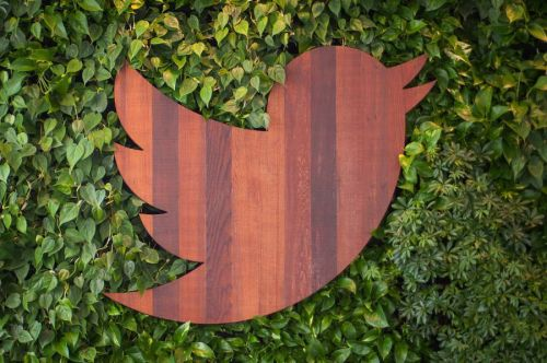 Twitter Appears To Be Testing A 'News Camera' Feature