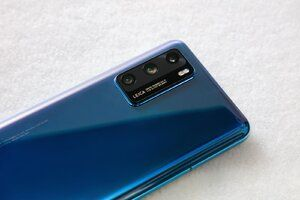 Pre-order Huawei P40 5G at Virgin and receive FreeBuds 3 as gift