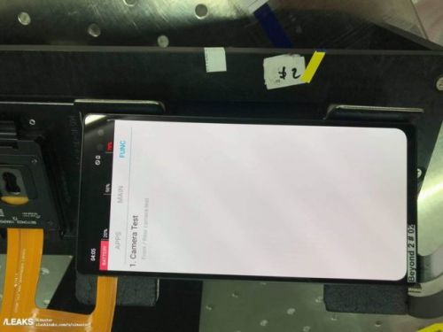 Alleged Galaxy S10 Prototype Shows Dual Front-Facing Cameras
