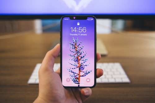 Apple releases iOS 12.1.3 software update