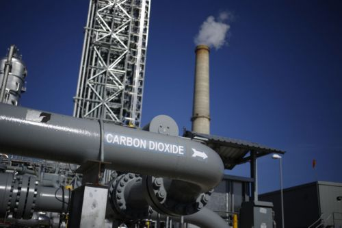 Report: Carbon-capture group gets some serious lobbying muscle