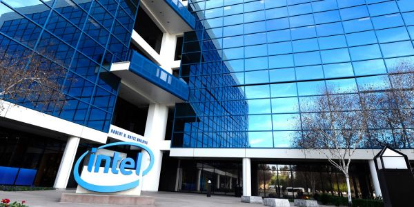 Intel says it will continue supplying 4G modems, likely including 2019 iPhones